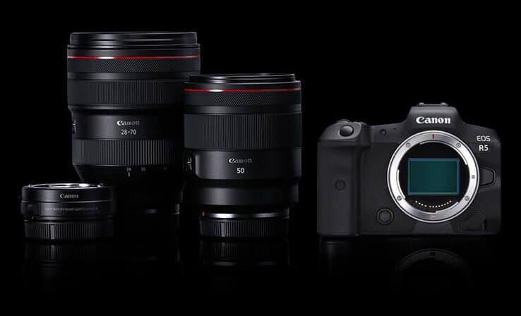 Canon EOS R5 con obiettivi
