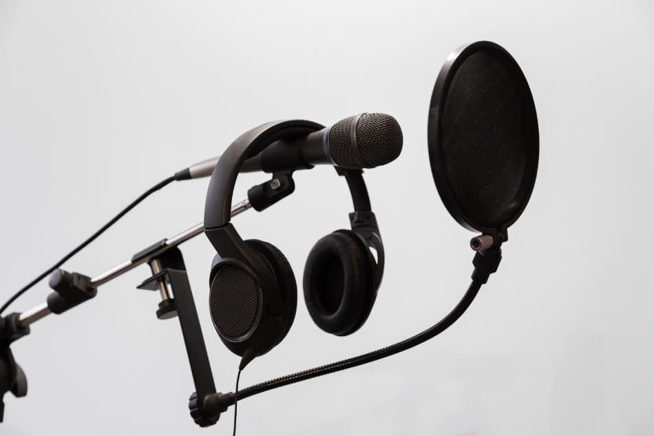 microfono e cuffie per registrare in casa